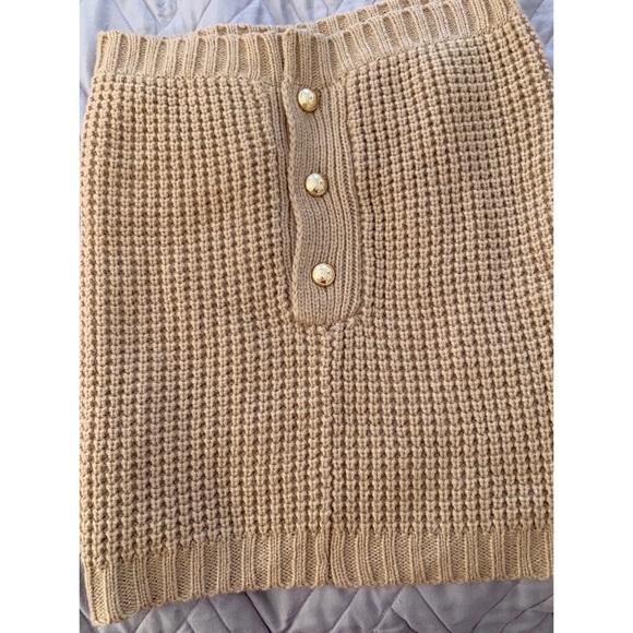 Michael Kors tan/gold scarf